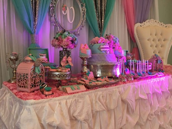 Teal-And-Pink-Modern-Chic-Baby-Shower-Treat-Table