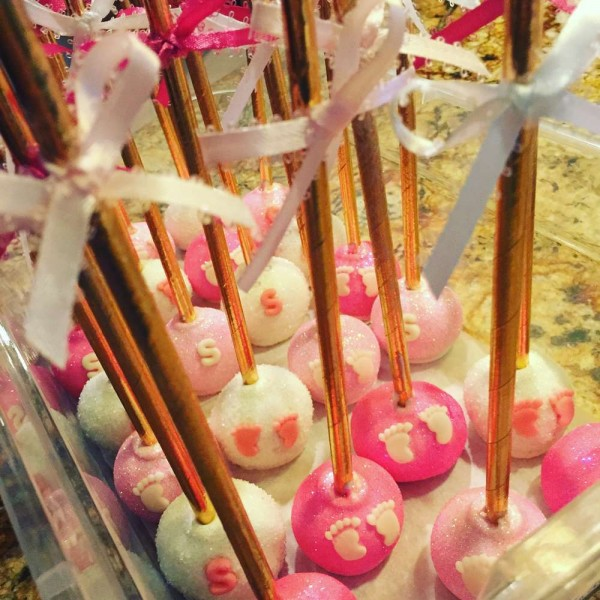 Elegant-Pink-Flower-Baby-Shower-Cake-Pops