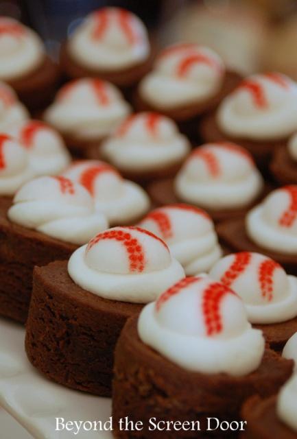 Baseball-Baby-Shower-Brownies