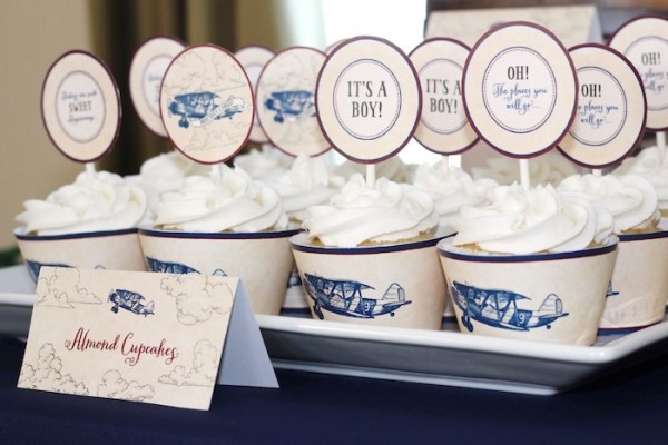 Classic-Airplane-Baby-Shower-Cupcakes