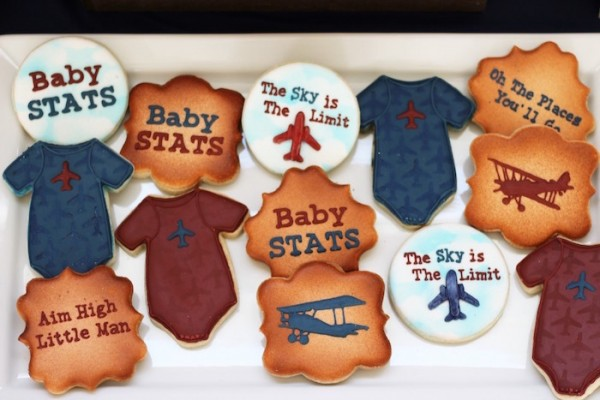Classic-Airplane-Baby-Shower-Sugar-Cookies