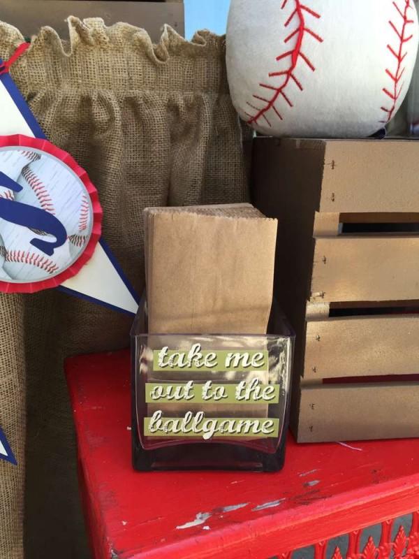 Classic-Baseball-Baby-Shower-Bag-Holder