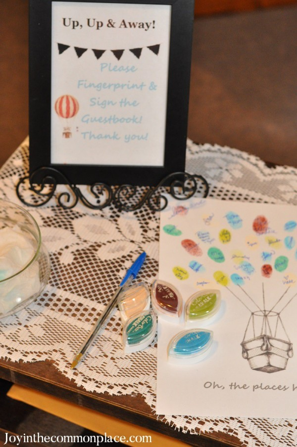 Classic-Hot-Air-Balloon-Baby-Shower-Fingerprint-Album