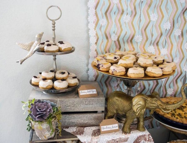 Contemporary-Safari-Baby-Shower-Donuts