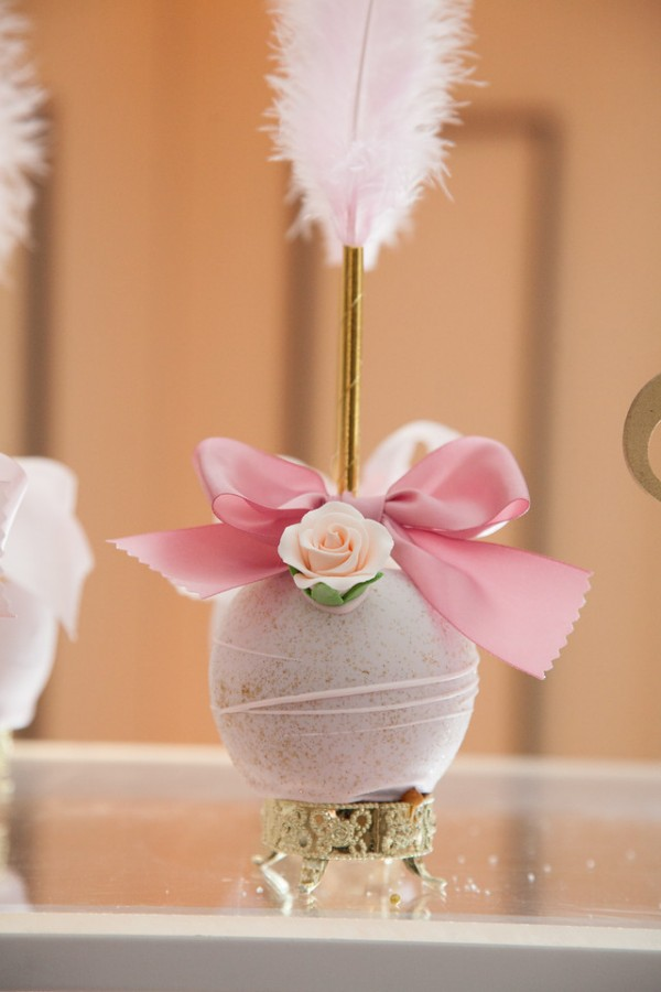 Pink-And-Gold-Tutu-Cute-Baby-Shower-Cakepop