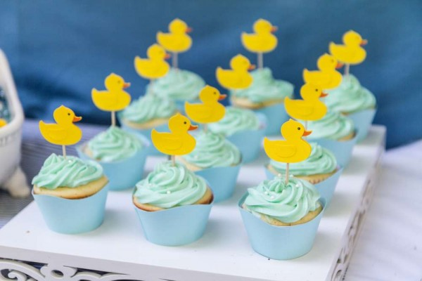 Sweet-Rubber-Ducky-Shower-Cupcakes