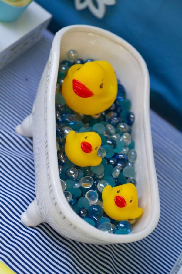 Sweet-Rubber-Ducky-Shower-Tub