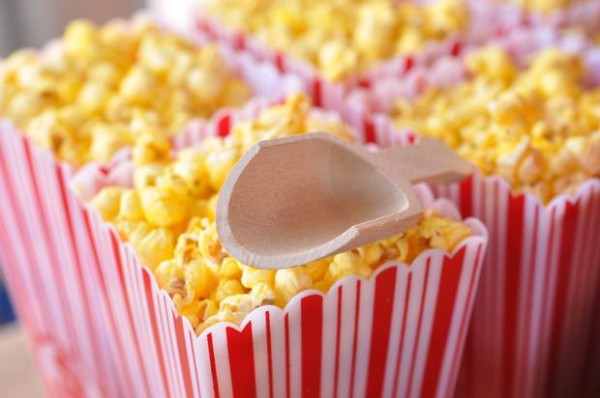 vintage-baseball-baby-shower-snacks-popcorns-hot-dogs