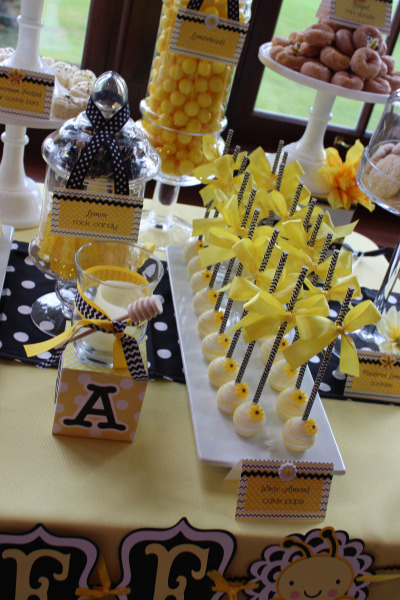 Blissful-Bumble-Bee-Baby-Shower-Cakepop-Desserts