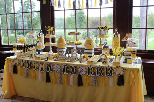Blissful-Bumble-Bee-Baby-Shower-Dessert-Table