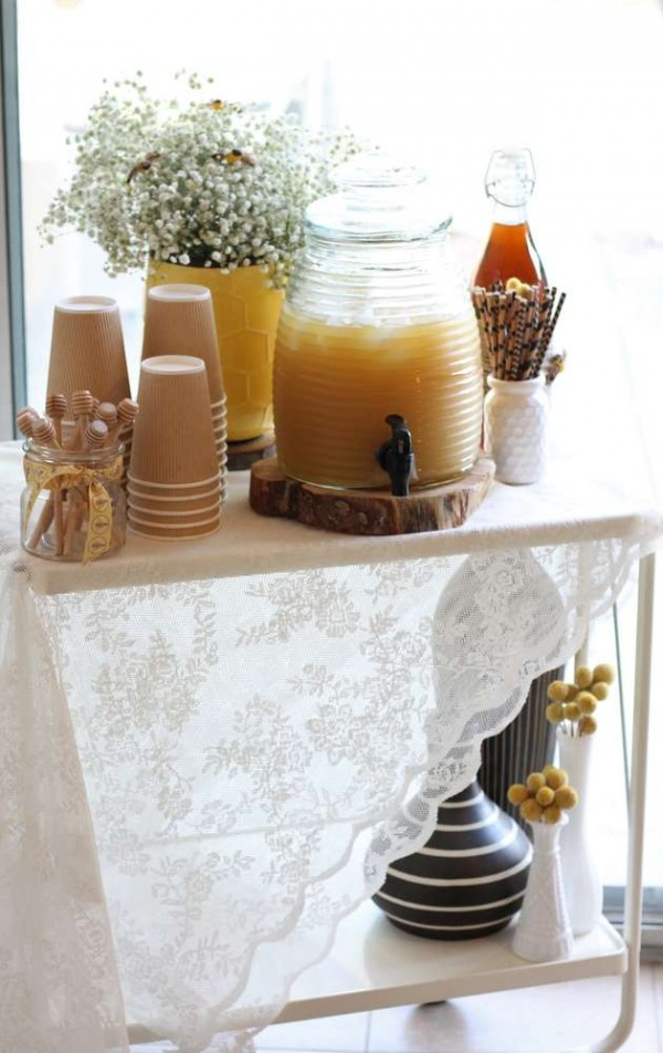 Bright-Bee-Loved-Baby-Shower-Juice