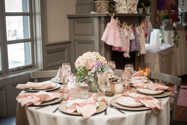 Charming-Garden-Baby-Shower-Guest-Table