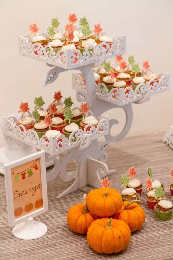 Festive-Little-Pumpkin-Baby-Shower-Cupcakes