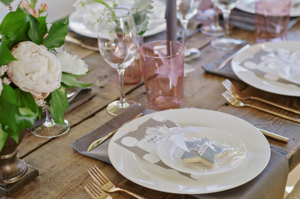 Floral-Backyard-Baby-Shower-Place-Setting