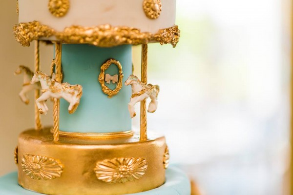 Golden Carousel Babyshower-Carousel-Cake-Decor
