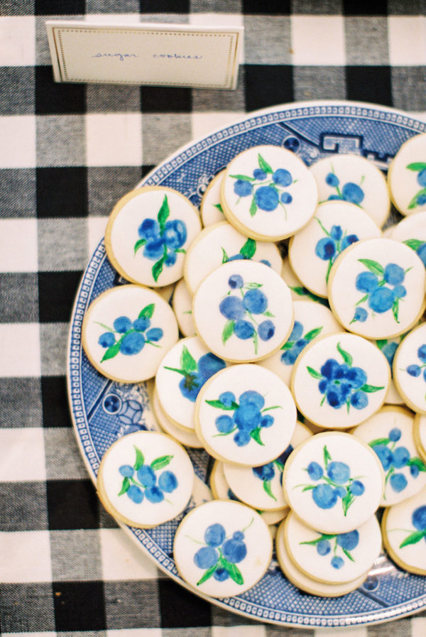 blueberry-baby-shower-sugar-cookies