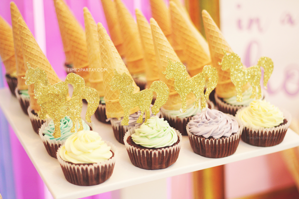 glamorous-unicorn-baby-shower-cupcakes