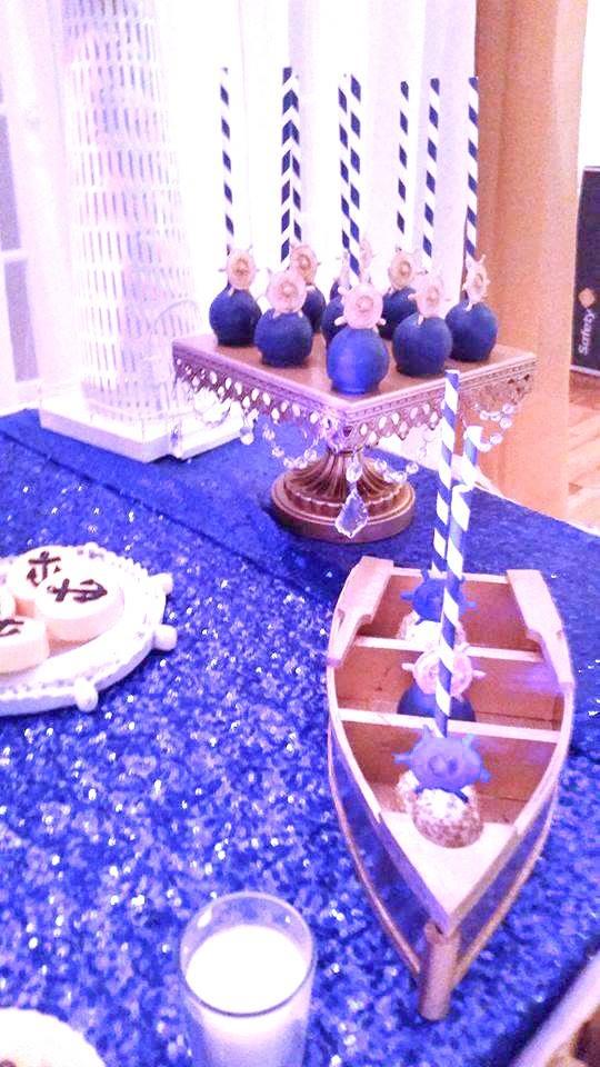 glitzy-glamorous-baby-shower-cakepop-sailboat