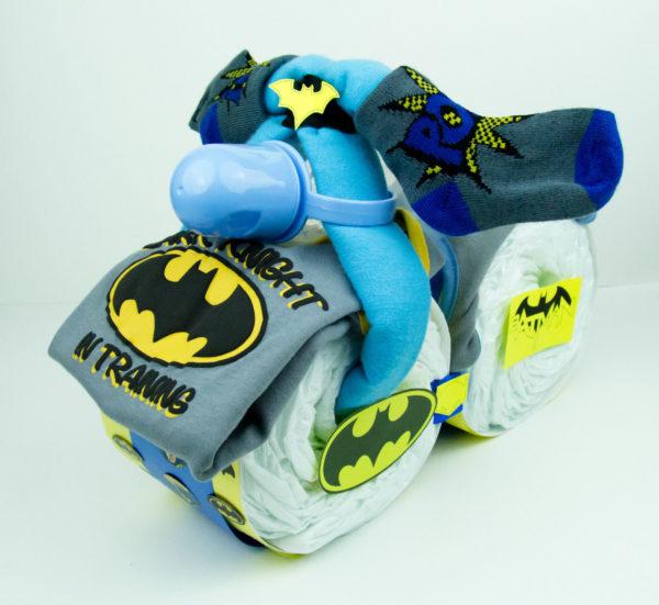 batman-baby-shower-diaper-cake