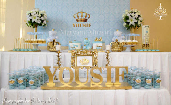 blue-and-white-royal-baby-shower-macaroons
