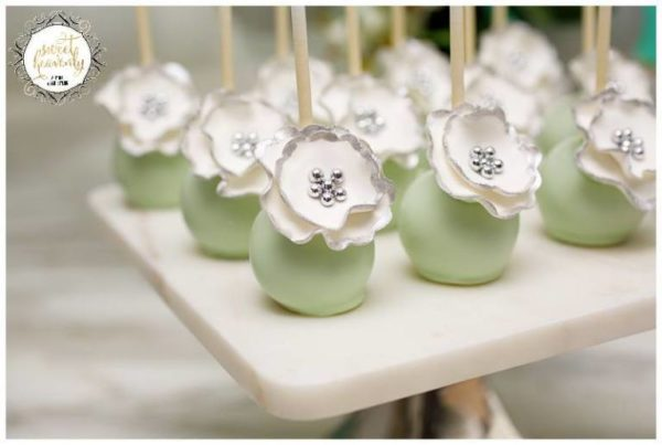 flowery-green-mint-and-white-baby-shower-cakepops