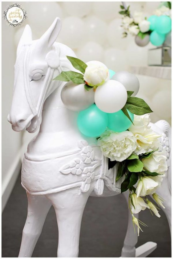 flowery-green-mint-and-white-baby-shower-horse