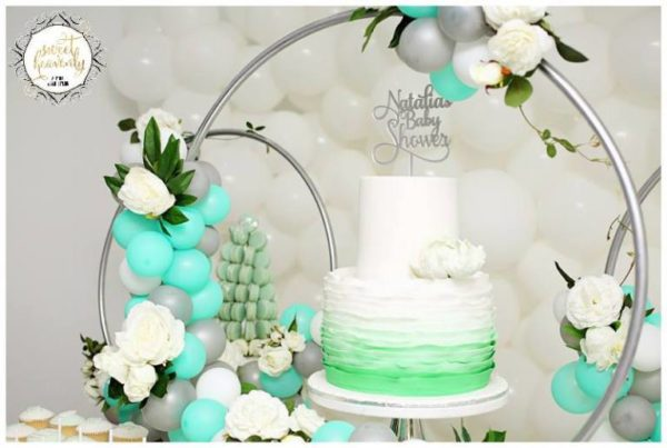 flowery-green-mint-and-white-baby-shower-treat-display