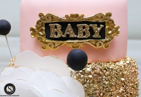 glamourous-baby-love-shower-sign