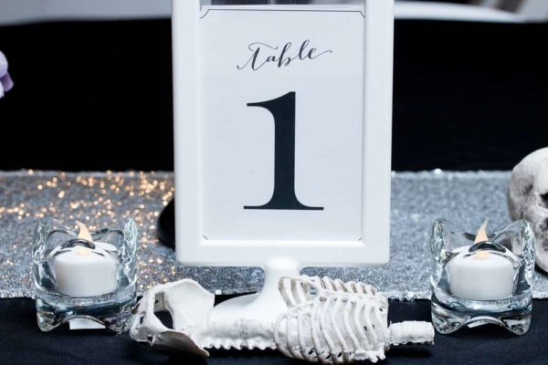 spooktacular-baby-shower-guest-table