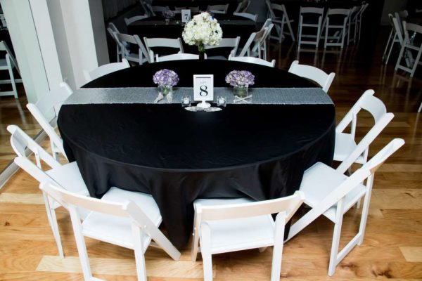 spooktacular-baby-shower-visitors-table