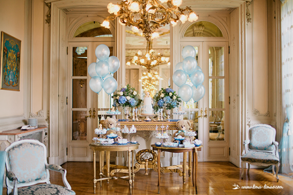 golden-royal-prince-baby-shower-buffet