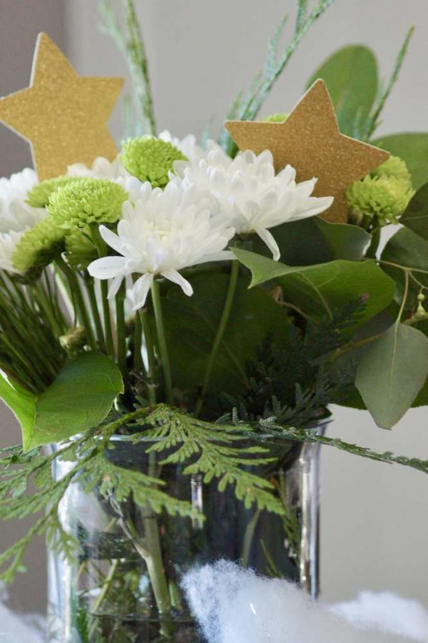 shimmering-twinkle-twinkle-baby-shower-flowers-with-stars