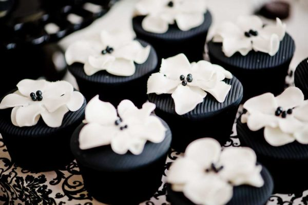 sophisticated-swan-lake-baby-shower-cupcakes