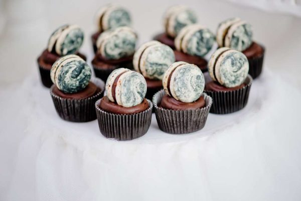 sophisticated-swan-lake-baby-shower-mini-cupcakes