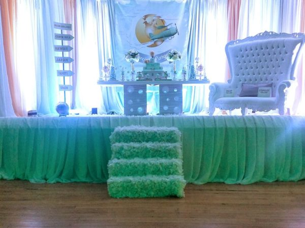 traveling-baby-shower-stage