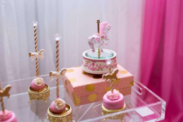 carousel-in-pink-baby-shower-cakepops