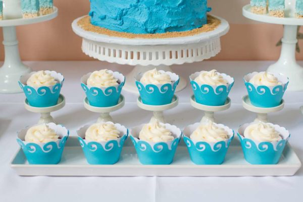 surfing-baby-on-board-shower-cupcakes