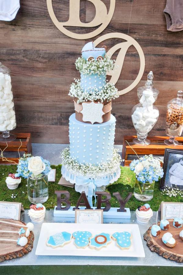 whimsical-bottles-and-burlap-baby-shower-cake