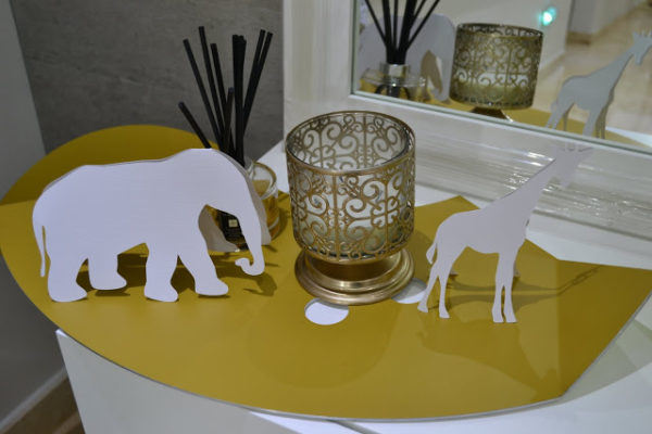 golden-chic-safari-baby-shower-animal-silhouettes