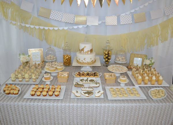 golden-chic-safari-baby-shower-dessert-table