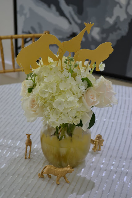 golden-chic-safari-baby-shower-flower-centerpiece