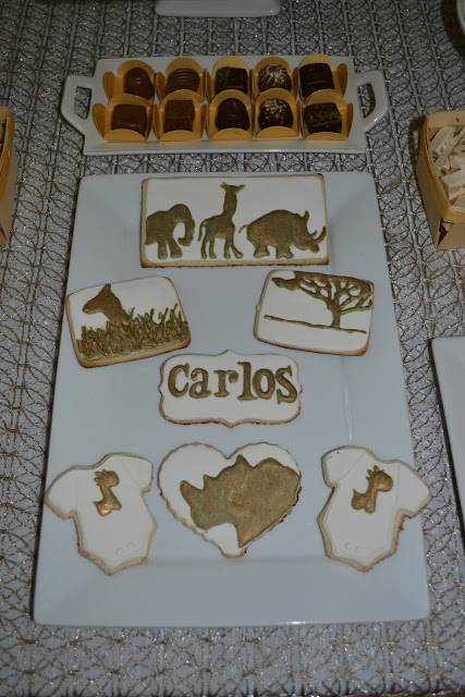 golden-chic-safari-baby-shower-sugar-cookies