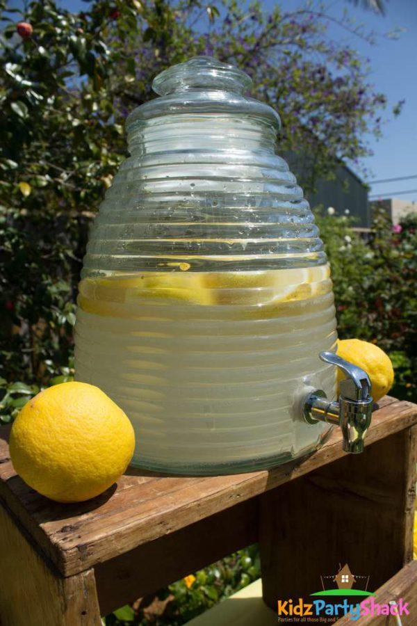 backyard-bumblebee-baby-shower-lemonade