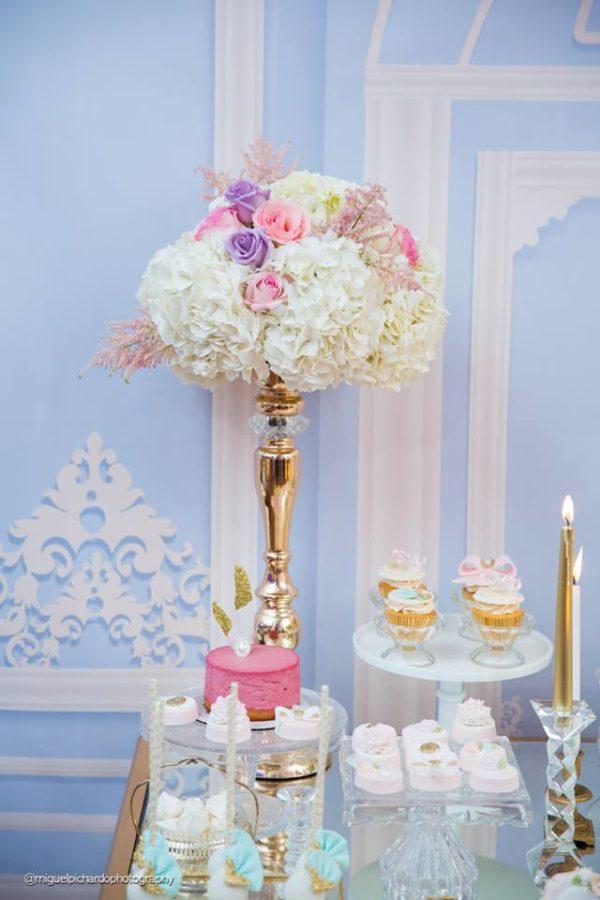 elegant-marie-antoinette-baby-shower-flowers