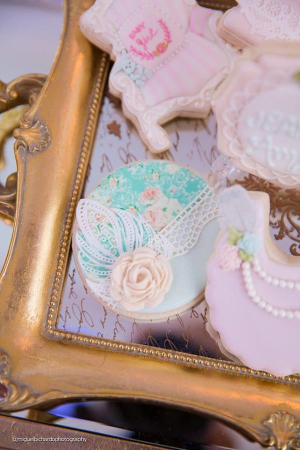 elegant-marie-antoinette-baby-shower-treats