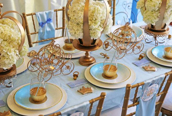 sheek-royal-prince-baby-shower-guest-tables