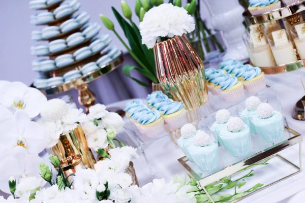 luscious-blue-and-gold-shower-snacks