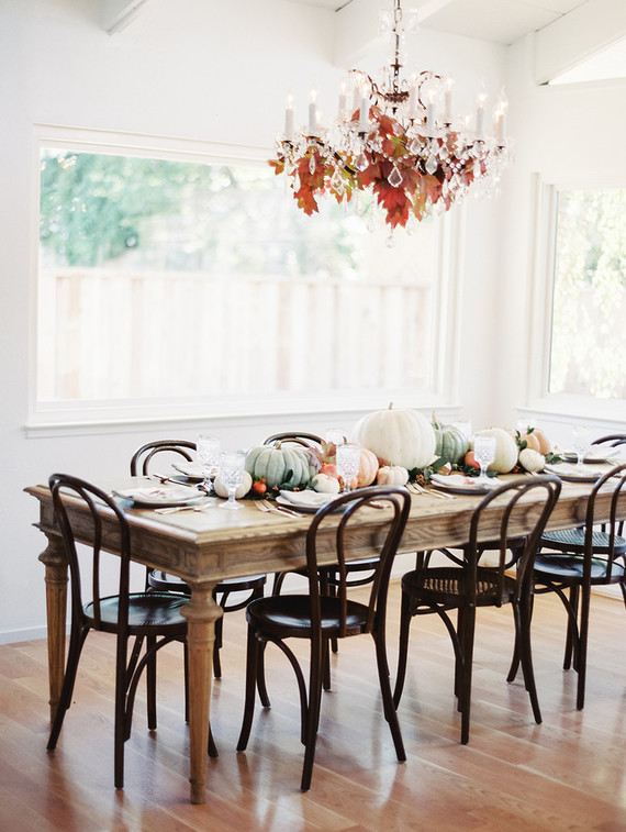 fall-in-california-baby-shower-guest-seating