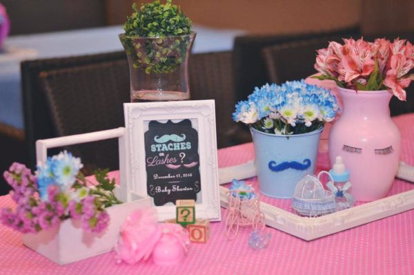 mustache-or-eyelash-baby-shower-gender-reveal-flowers