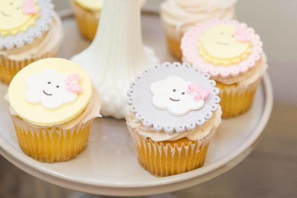 pastel-you-are-my-sunshine-shower-cloud-cupcake